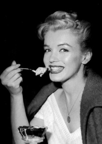 Marilyn Monroe eating a sundae